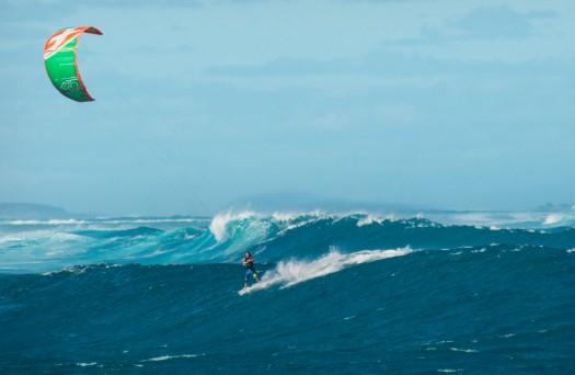 雅典表携手风筝冲浪手 缔造冒险传奇