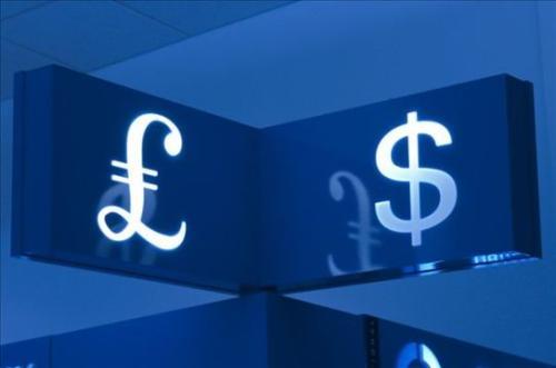 英镑脱离七个月低点 却被它牵着鼻子走?
