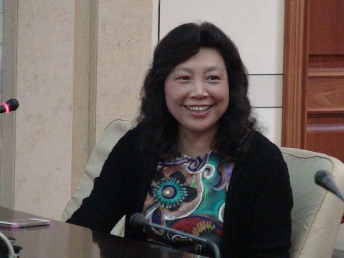 浙江大学添女副校长 安心做一个好教师是最大的心愿