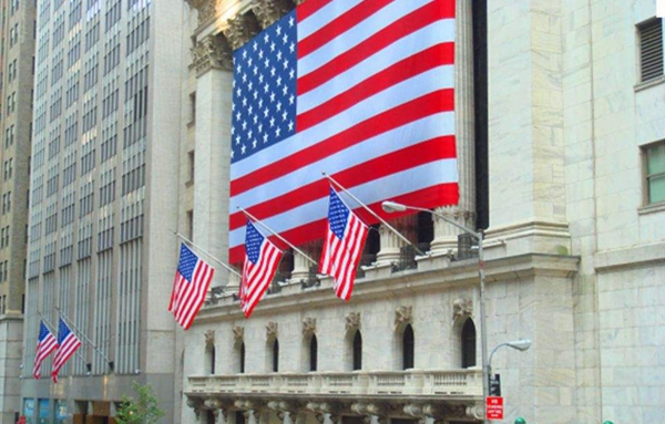 隔夜美股收跌 权重板块银行股及科技股下挫拖累股市
