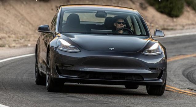 特斯拉宣布降低性能版车型售价