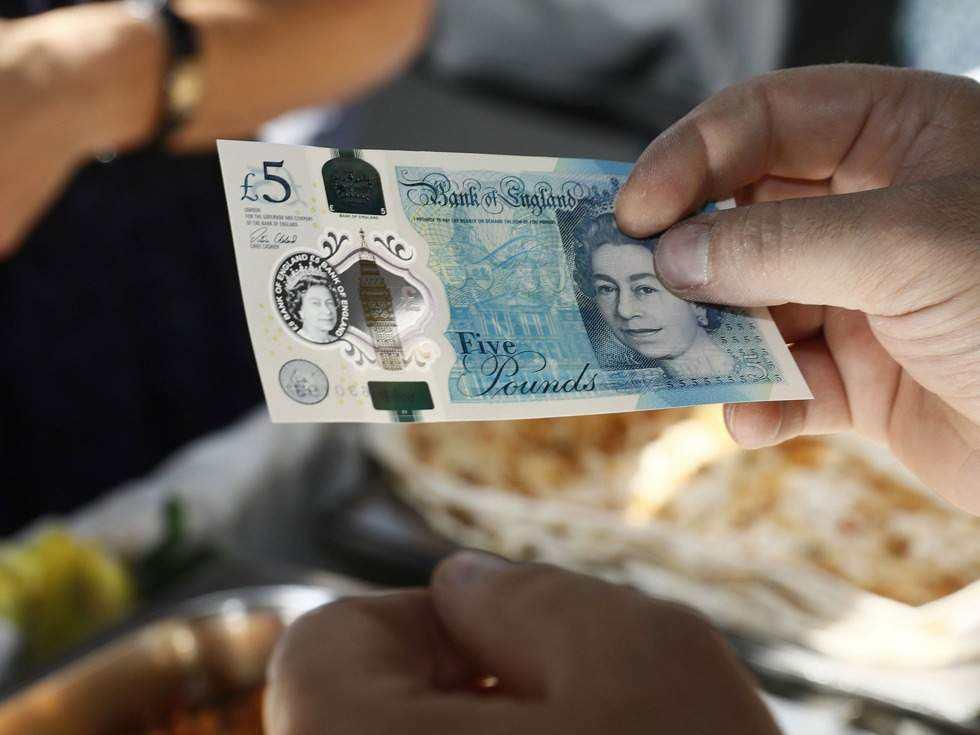 """脱欧""""分手戏""""咫尺天涯 英镑汇率风险被低估"""