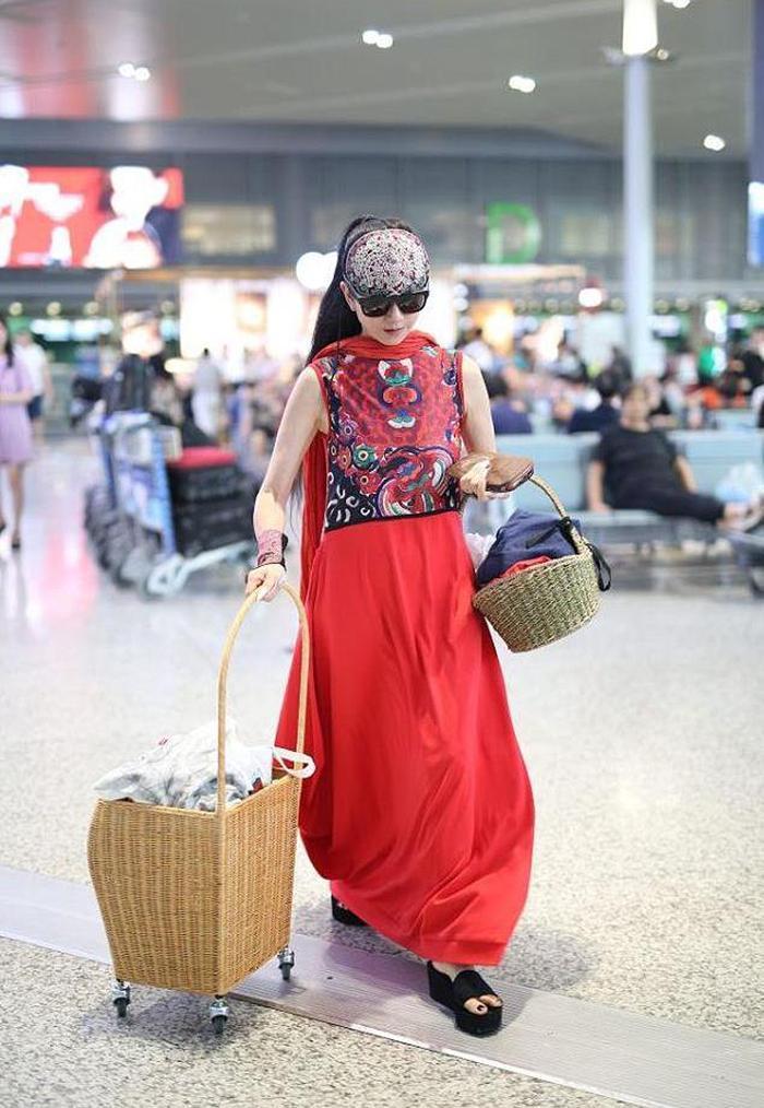 杨丽萍的竹篮 窦靖童的水杯 这样的时尚你能接受吗