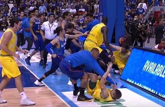 男篮世预赛爆群殴 火爆程度历史罕见