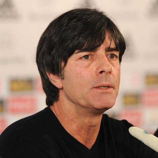 """勒夫继续执教德国队 得到了""""整个领导层的支持"""""""