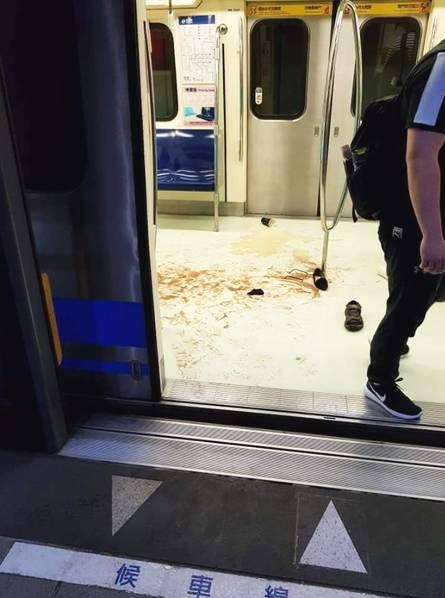 台北地铁发生骚乱