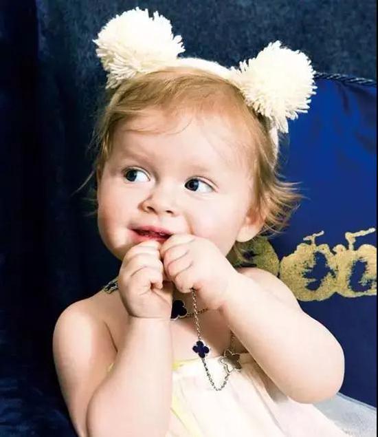 送宝宝珠宝时髦又保值 儿童珠宝市场发展迅速