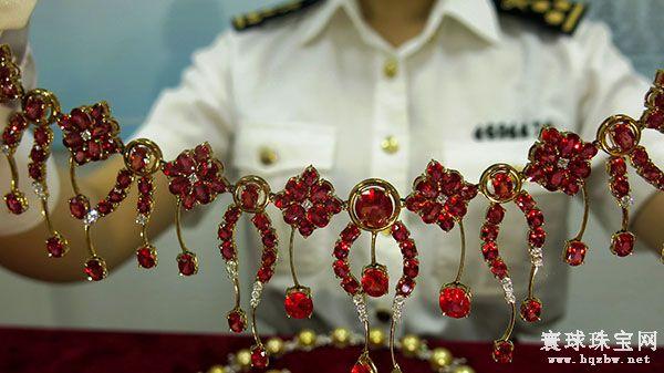 郑州海关查获一批违规入境珠宝首饰 估价1000万元