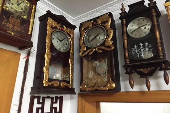 重庆一老人收藏钟表老物件36年 逝世全部捐赠