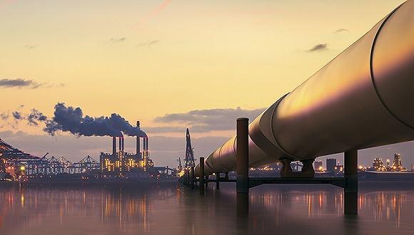 伊朗试图通过封锁霍尔木兹海峡来破环石油运输