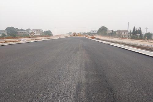 京秦高速二期项目建设正式进入沥青路面施工阶段