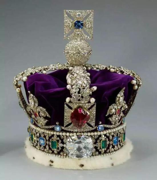 """揭秘最大的顶级颜色钻石""""世纪之钻""""的前世今生"""
