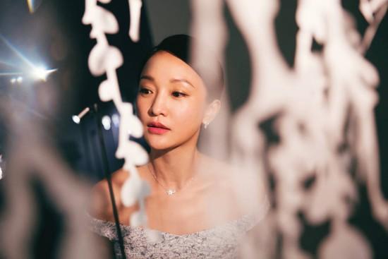 2018秋冬巴黎高定时装周 周迅亮相某品牌高级珠宝展览