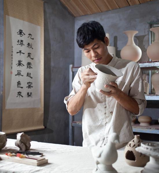 顾少波:最年轻的越瓷传承人 誓要复兴越窑青瓷这项古老的技艺