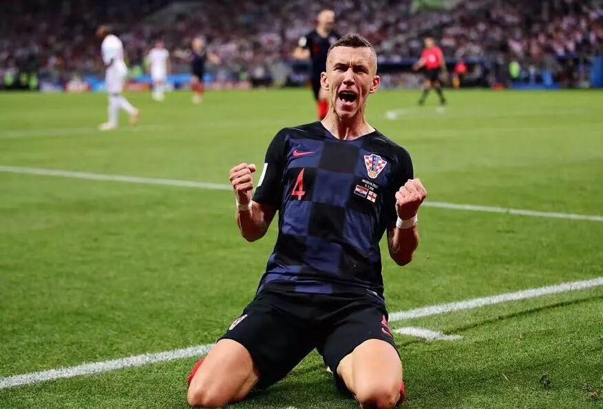 克罗地亚2:1胜英格兰 第一次杀入世界杯决赛