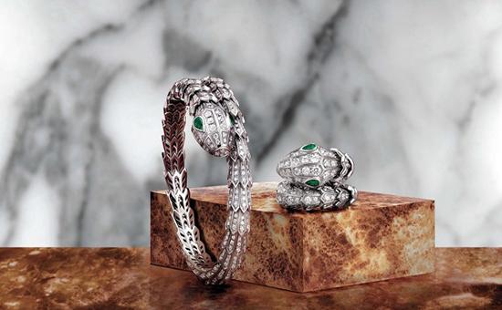 宝格丽Serpenti系列再添新作 灵蛇造型将女性的阴柔之美展露无遗