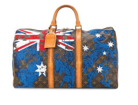 Farfetch独家发售新系列改造古着旅行包