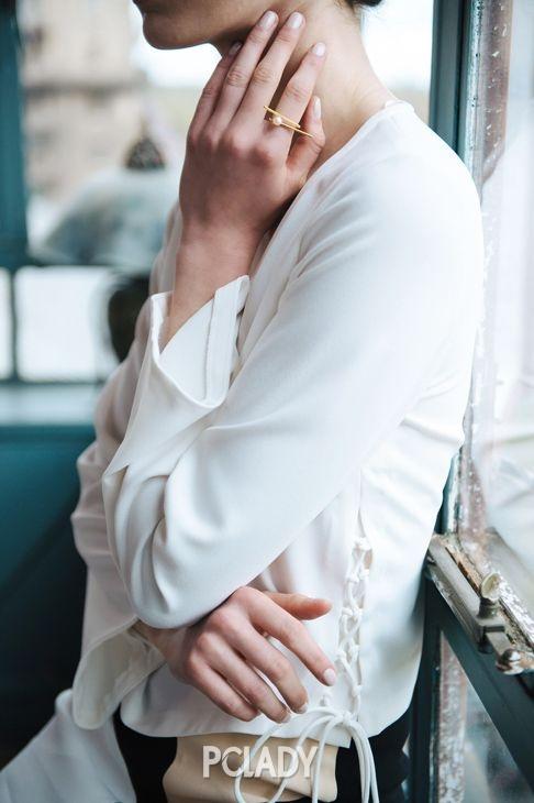 珍珠搭配冷淡风金属 再也不是妈妈级的配饰啦!