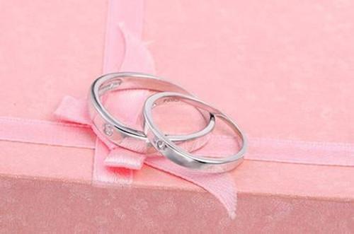 纯银戒指大概多少钱呢?