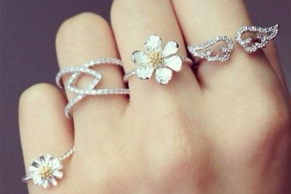 未婚带戒指怎么带