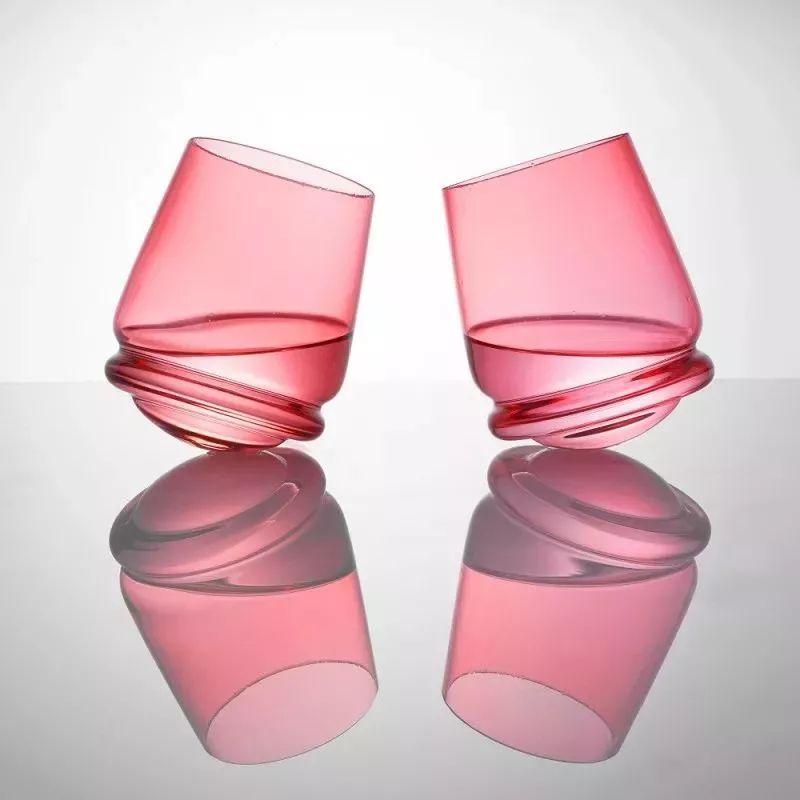 捷克水晶世家做的杯子 怎么碰都不倒