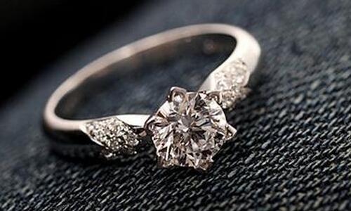 求婚用什么戒指