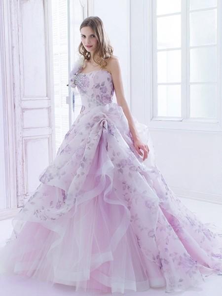 如梦如幻的印花婚纱 给你恋爱般的甜蜜心情