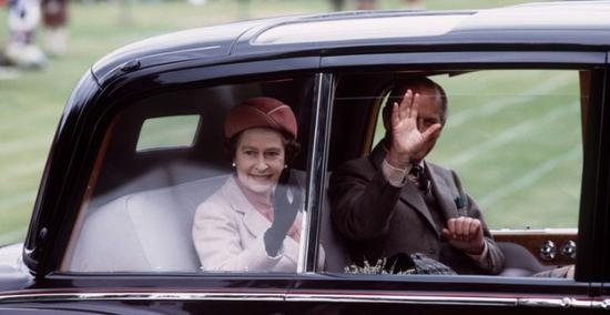 英女王拍卖御用座驾 预估价格高达200万英镑