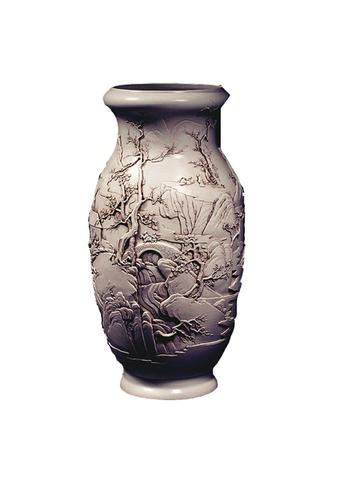 白釉雕瓷蒜头瓶鉴赏