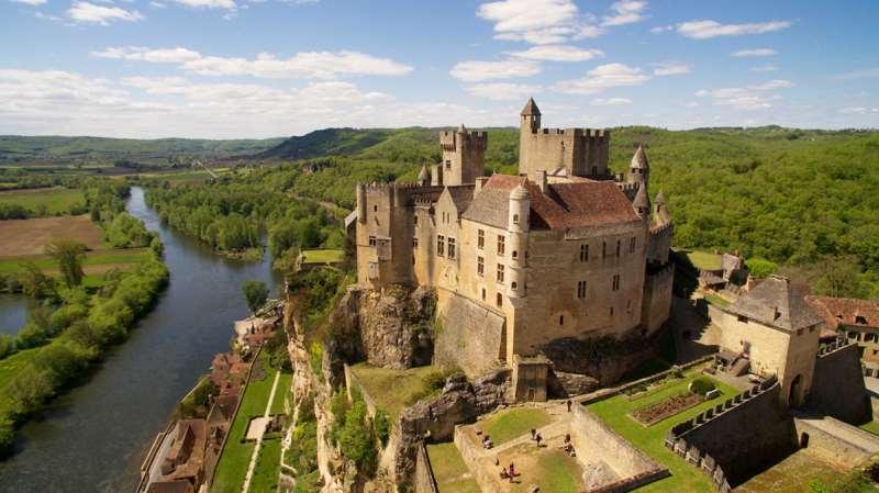 为何波尔多称Chateau 而勃艮第叫Domaine