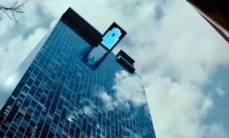 国内首家悬空透明游泳池 在天空中游泳你敢吗