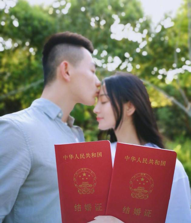 张馨予成军嫂 中纪委机关报评:慧眼识英雄