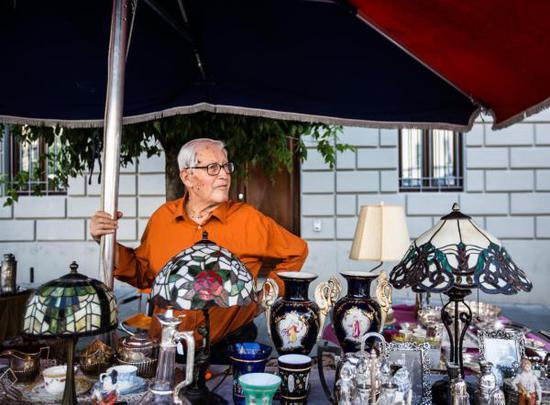 意大利举办古董集市