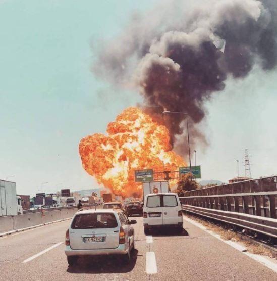 博洛尼亚机场发生爆炸 航班正常运行