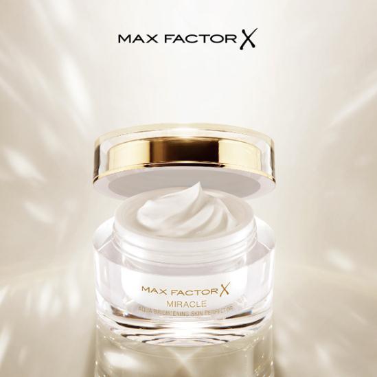 Max Factor奇幻水漾焕亮素颜霜轻妆上市