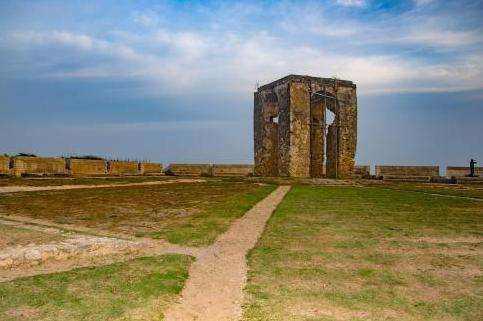 上博海外考古赴斯里兰卡古代遗址进行发掘
