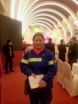 """女环卫工落户上海 终于要走向""""更有奔头的生活""""了"""