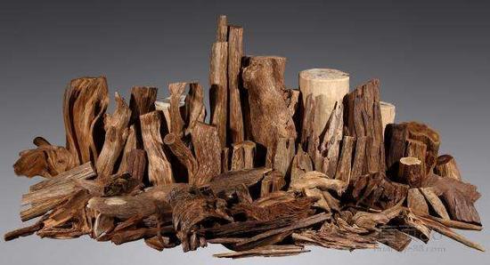 如何分辨沉香木与檀香木