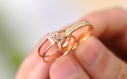 结婚买金戒指还是钻戒