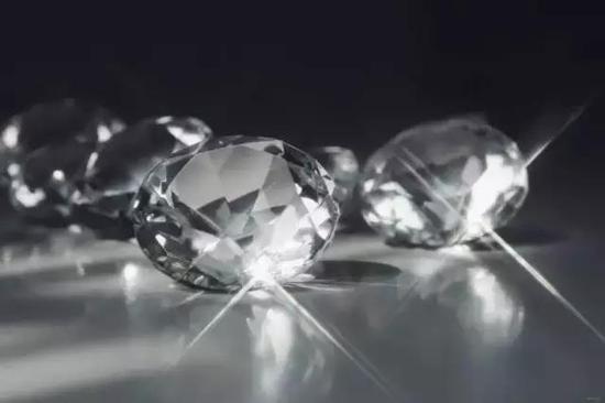 钻石:引领了消费、投资、收藏的新航标