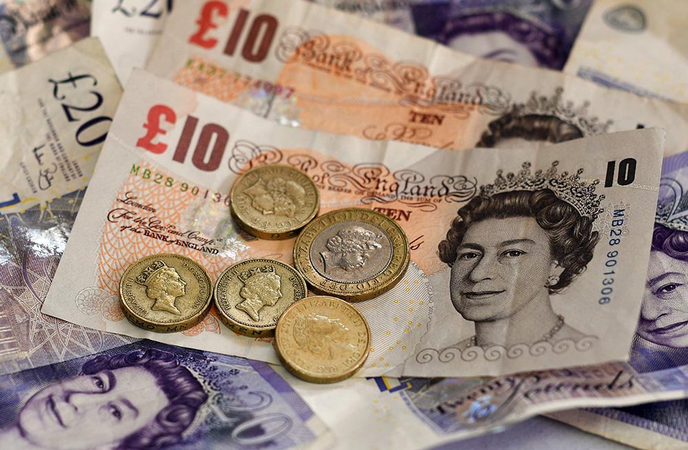 强势美元与无协议脱欧传言联手扼杀英镑