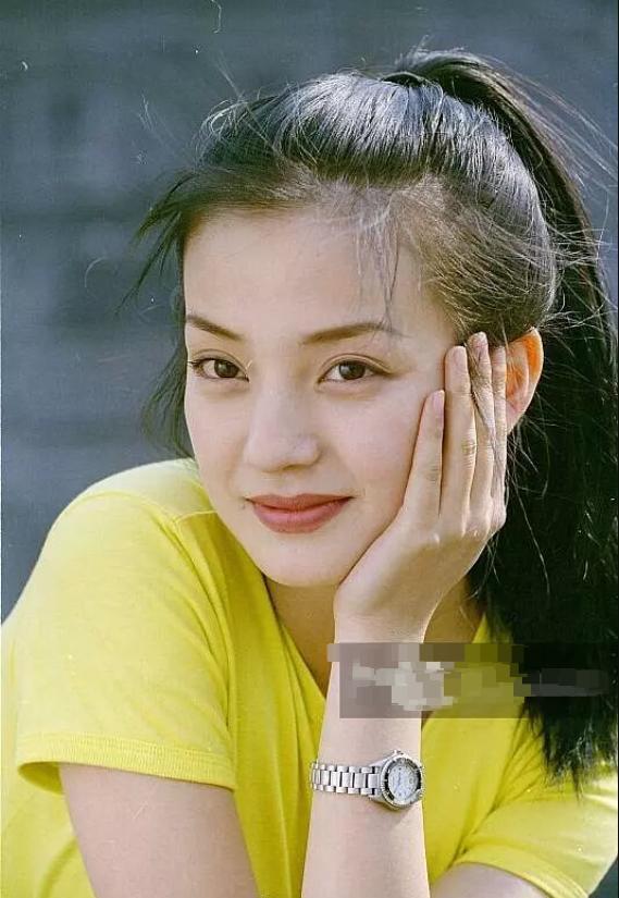 赵薇多年前旧照曝光 完全就是青春美少女