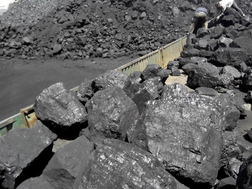 鄂尔多斯市成为国家14个大型煤炭基地之一