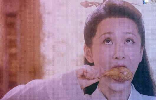 假吃?杨紫新剧引质疑 网友:放大看就一目了然!