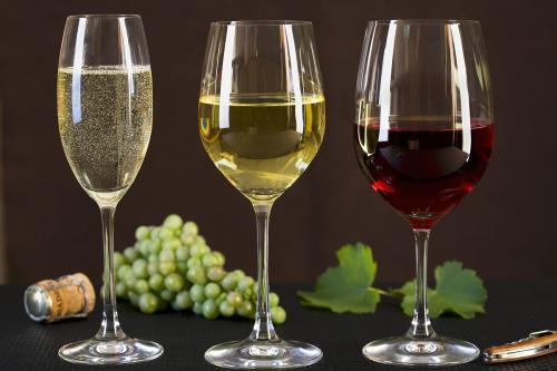 白葡萄酒与红葡萄酒的区别