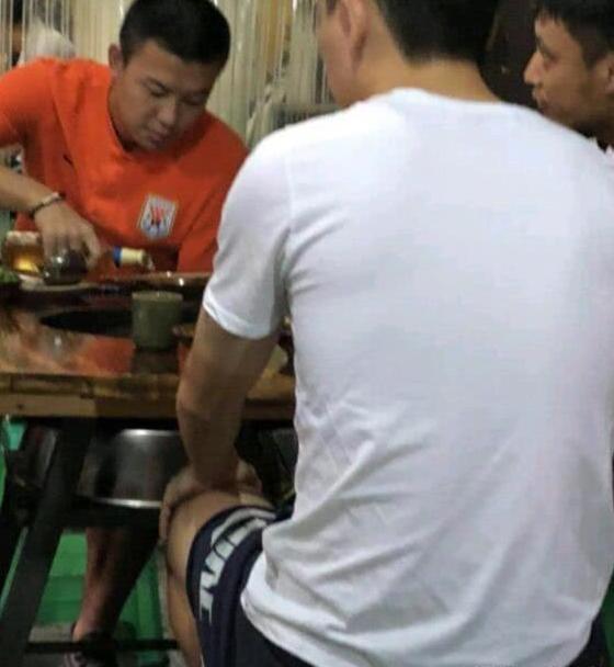 鲁能3球员被三停 如此不节制的饮食怎能踢进世界杯?