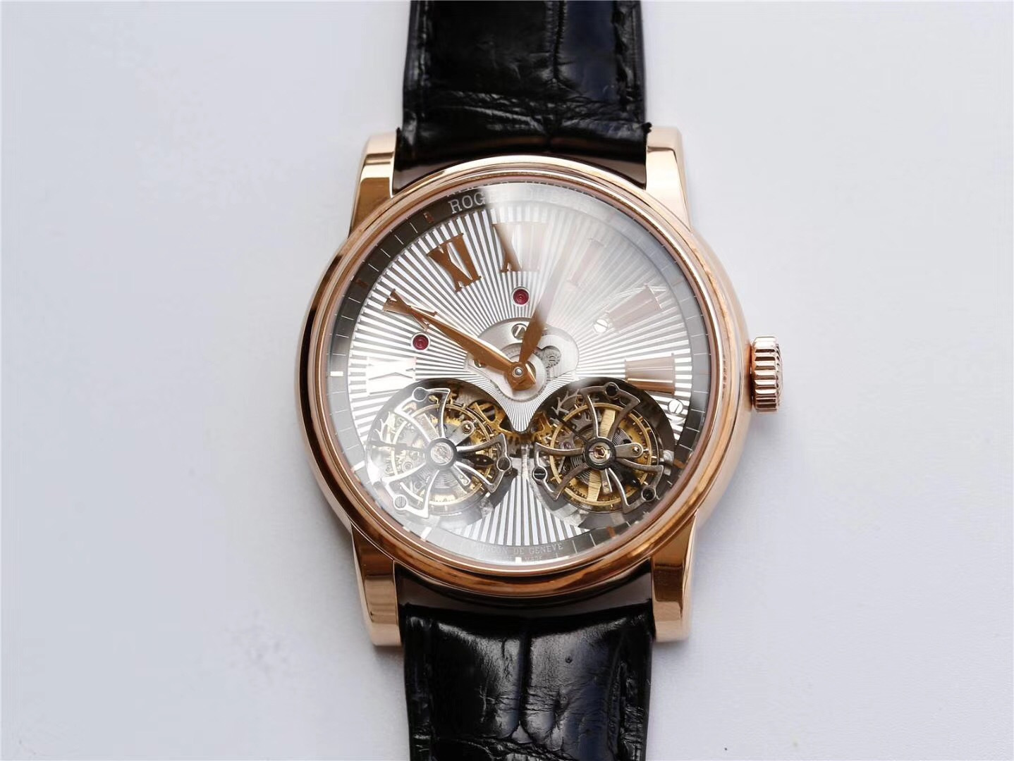 媲美劳斯莱斯的罗杰杜彼双陀飞轮腕表,你最喜欢哪一款?