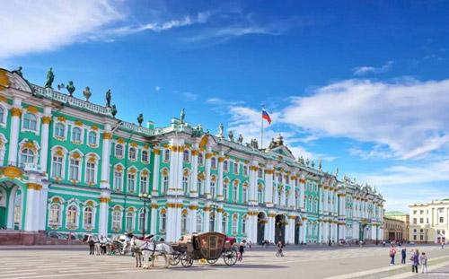 东宫华丽程度令人叹为观止 大厅用俄罗斯的国宝石装饰