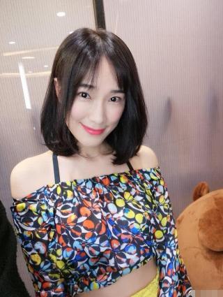 王宝强新女友日常照曝光:甜美可人 充满正能量