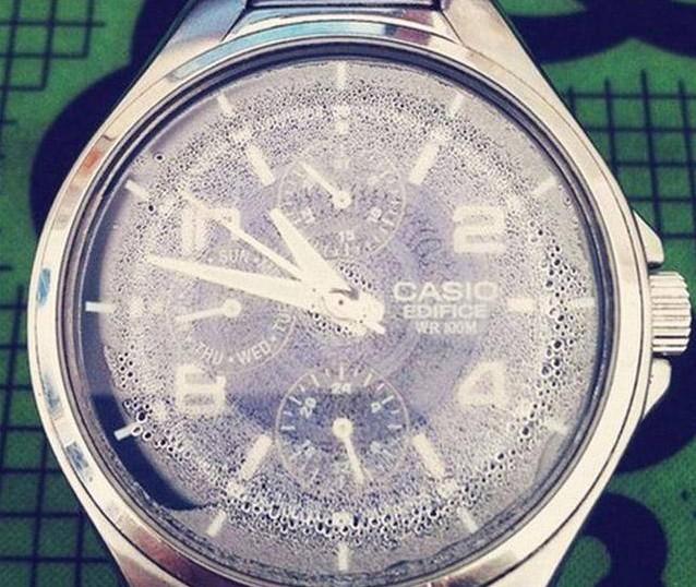 手表里有雾气怎么办